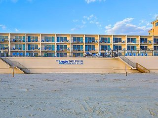 Dolphin Beach Club-7 day stay for parents and two kids or two adults. - South Daytona vacation rentals
