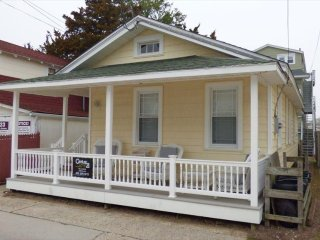 319 Ocean Ave, rear cottage 135160 - Ocean City vacation rentals