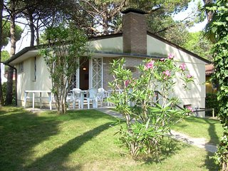 Nice Villa with A/C and Parking Space - Lignano Riviera vacation rentals
