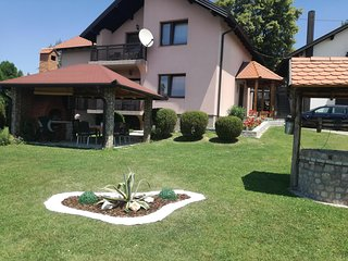 Nice Condo with Internet Access and A/C - Dubrave Gornje vacation rentals