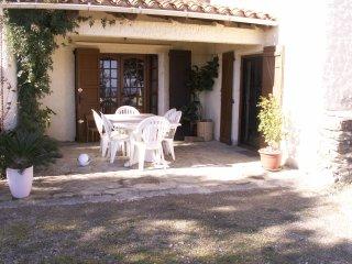 3 bedroom Villa with Internet Access in Montauriol - Montauriol vacation rentals