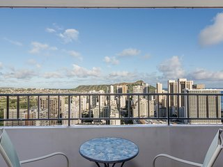 Heavenly View From This Centrally Located Unit - Honolulu vacation rentals