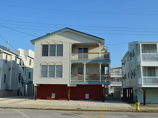 5551 West Ave. 2nd Flr. 135205 - Ocean City vacation rentals