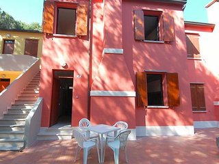 Adorable Apartment with Balcony and Parking - Rosolina vacation rentals
