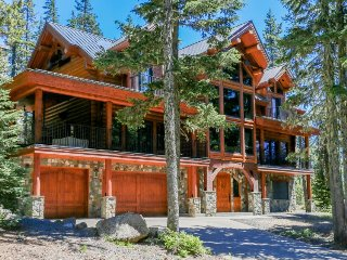 Spacious lodge retreat w/ fireplace, balcony, grill, and more! - Government Camp vacation rentals
