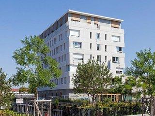 Comfort suites Porte de Genève - Annemasse vacation rentals