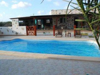 Cozy 2 bedroom Lajares House with Internet Access - Lajares vacation rentals