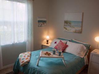 Beautiful Tropical Retreat Everything Close By - Ellenton vacation rentals