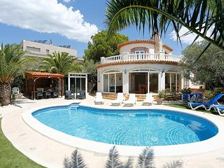 Comfortable 6 bedroom House in L'Ampolla with Internet Access - L'Ampolla vacation rentals