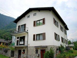 Comfortable Apartment in Gribbio with Television, sleeps 4 - Gribbio vacation rentals