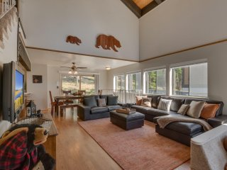 The Knotty Bear – European Style Chalet, Cozy Conversation Pit, Sauna, Spa - South Lake Tahoe vacation rentals
