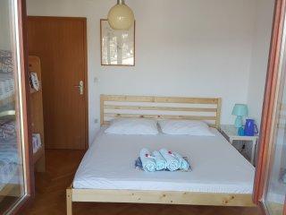 Blue Room - Split vacation rentals