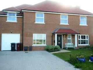 Tonita Bay - 5 Bedroom Detached House - Bracklesham Bay - Bracklesham Bay vacation rentals