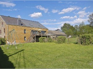 Nice 17 bedroom House in Manhay with Internet Access - Manhay vacation rentals