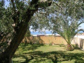 Bellissimo appartamento al piano terra con giardino - Castiglione Della Pescaia vacation rentals