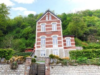 Adorable 6 bedroom Durbuy House with Internet Access - Durbuy vacation rentals