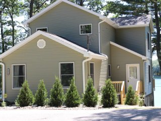 Family Friendly Lake Front Cottage - Harrison vacation rentals