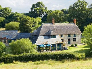 Lovely 6 bedroom House in Axminster - Axminster vacation rentals
