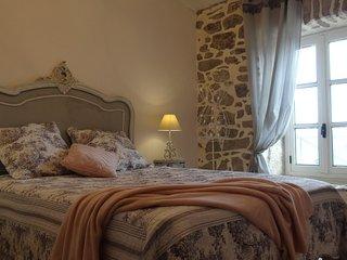 Clos des Ammonites - Maison de caractère en pierres de pays ! - Labeaume vacation rentals