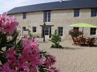 Nice House with Internet Access and Washing Machine - Chinon vacation rentals