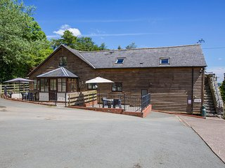 SHEEP DIP, quality character cottage, woodburner, en-suite, WiFi, underfloor - Llanfyllin vacation rentals