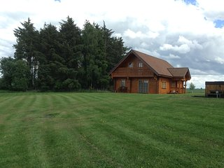 TURLEUM lodge, part of Mountwood Lodges - Aberuthven vacation rentals