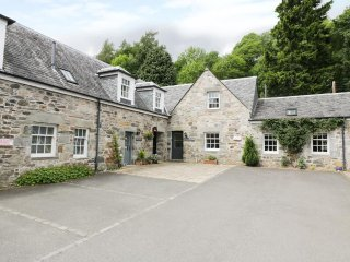 THE SALMON HOUSE, woodburner, garden, WiFi, Ref 914265 - Fortingall vacation rentals
