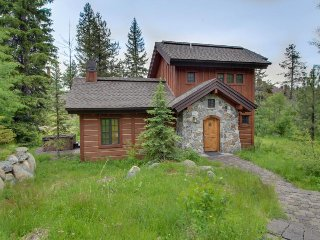Vacation rentals in Donnelly