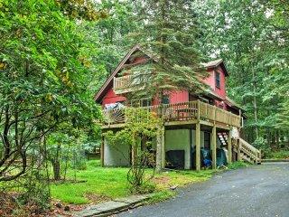 Attractive 4BR Hawley House w/Fire Pit! - Hawley vacation rentals