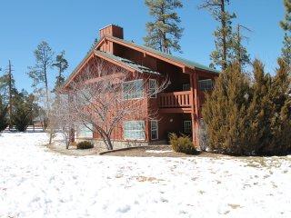 vacation rentals in big bear region with hot tub flipkey rh flipkey com