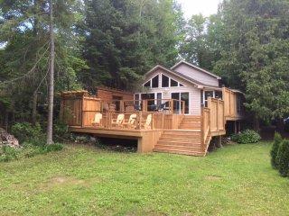 Magnificent Apartments Vacation Rentals In Ontario Flipkey Download Free Architecture Designs Scobabritishbridgeorg
