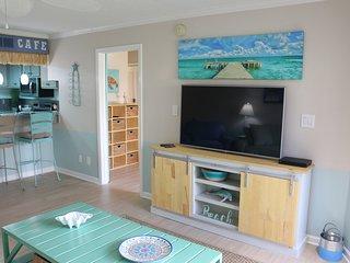 Remarkable Condos Vacation Rentals In Pensacola Beach Flipkey Interior Design Ideas Philsoteloinfo