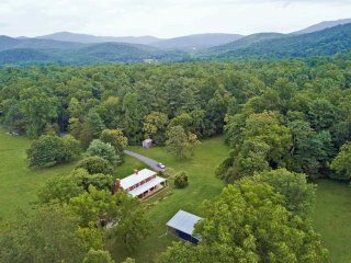 Modern 1850s Luray Farmhouse Near Lake Arrowhead Virginia