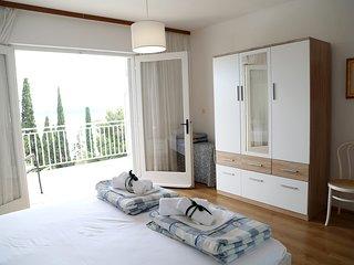 villas vacation rentals in hvar flipkey rh flipkey com