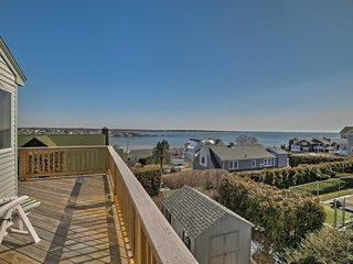 Amazing Vacation Rentals Apartments In Narragansett Flipkey Home Interior And Landscaping Ferensignezvosmurscom