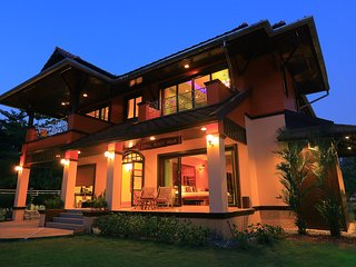 Vacation rentals in Phang Nga Province
