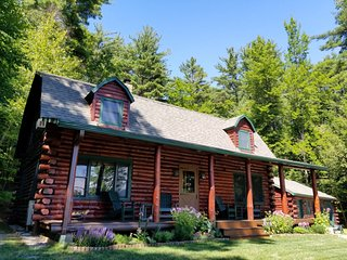 Astounding Cabins Vacation Rentals In Lake George Flipkey Home Interior And Landscaping Palasignezvosmurscom