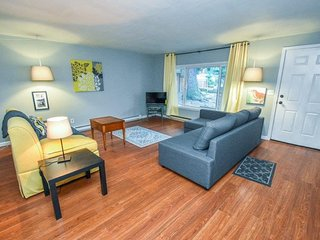 Magnificent Apartments Vacation Rentals In Portland Flipkey Home Interior And Landscaping Mentranervesignezvosmurscom