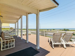 Wondrous Vacation Rentals House Rentals With Pool In Galveston Home Interior And Landscaping Elinuenasavecom