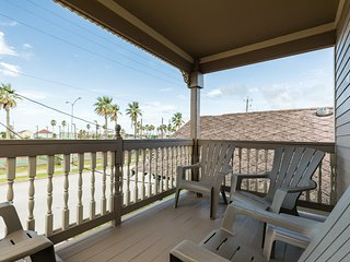 Excellent Beach Rentals Vacation Rentals In Galveston Flipkey Home Interior And Landscaping Elinuenasavecom