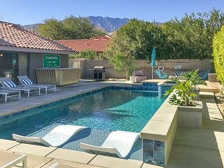 Vacation Rentals & House Rentals in Palm Springs | FlipKey on map of spring valley, map of thermal, map of las vegas, map of w palm beach, map of royal palm beach, map of steamboat springs colorado, map of the greenbrier, map of tarpon springs fl, map of eureka springs arkansas, map of cancún, map of seattle area, map of the inland empire, map of highland, map of topanga, map of west palm, map of thousand palms, map of sun city palm desert, map of north palm beach county, map of silver spring, map of laytonville,